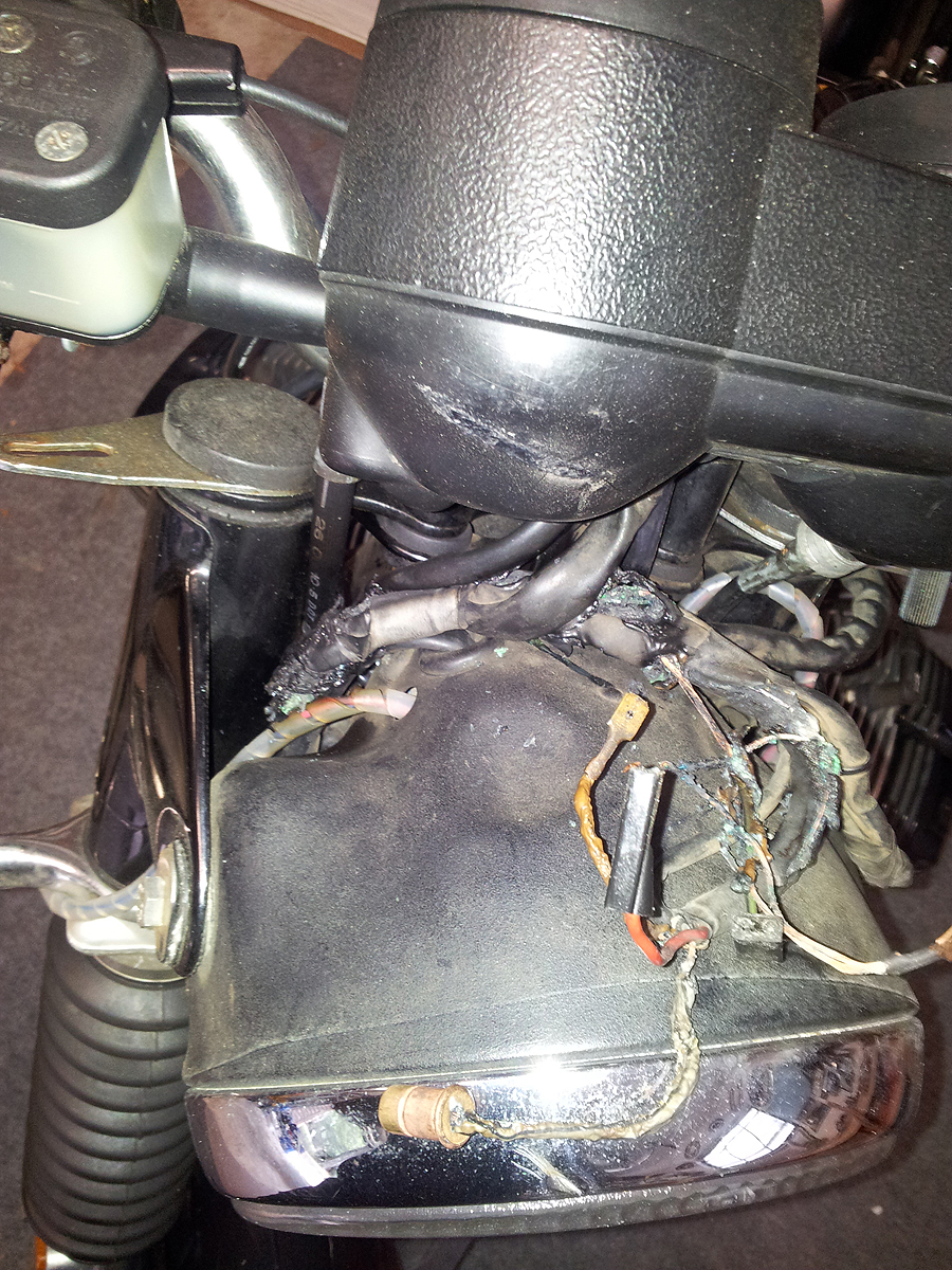 Zimmerframe Racing Bmw Wiring Harness Motorcycle Tape With The Handlebars Instruments And Switchgear Removed It Looked Even Worse What Hadnt Cooked Outright Was Still Damaged By Contact Hot